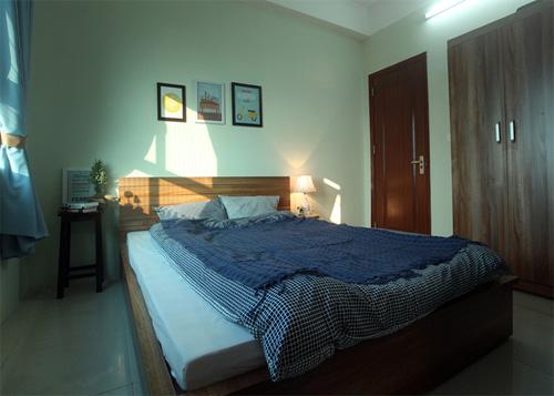 Nhà nhỏ nhưng có ưu điểm là căn hộ góc nên luôn có ánh sáng tự nhiên ở nhiều phòng.