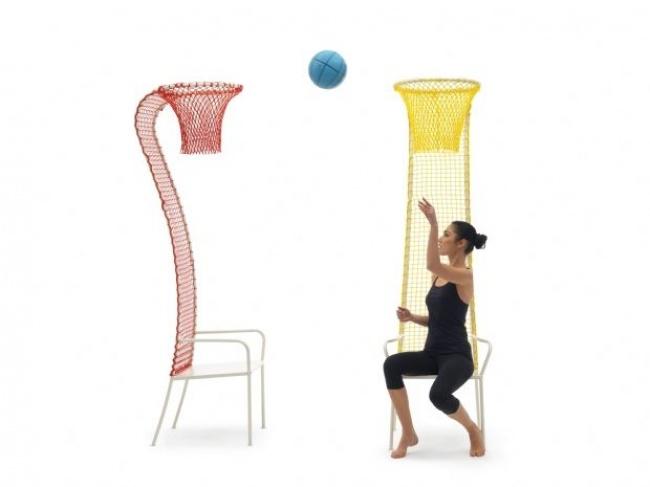 Một ý tưởng giúp người ngồi quên đi chiếc điện thoại và laptop trên tay: cặp ghế bóng rổ này có thể khiến bạn bị nghiện, chỉ muốn ngồi mãi không thôi đấy.