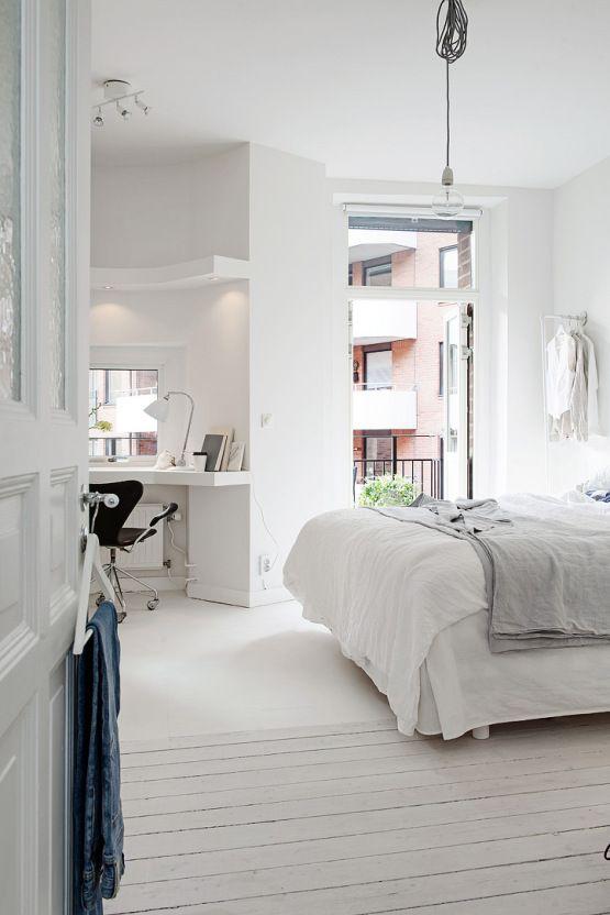 Một phòng ngủ với bàn đọc sách là niềm ao ước của rất nhiều người.