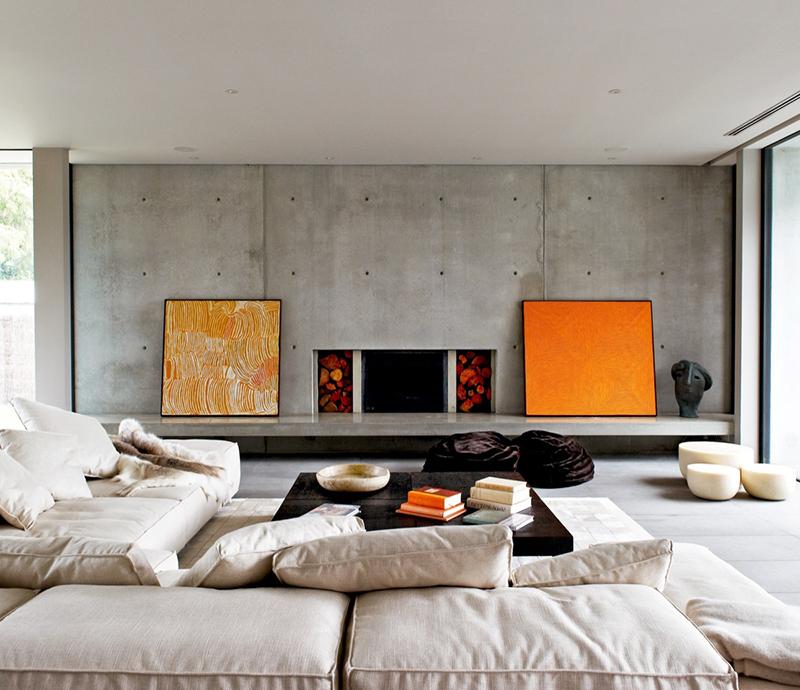 8. Phòng khách được bài trí sofa lớn sang trọng hiện đại