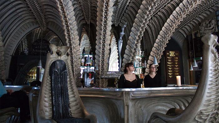 Nhà hàng thuộc bảo tàng HR Giger Bar, Gruyères, Thụy Sĩ - Hình 02