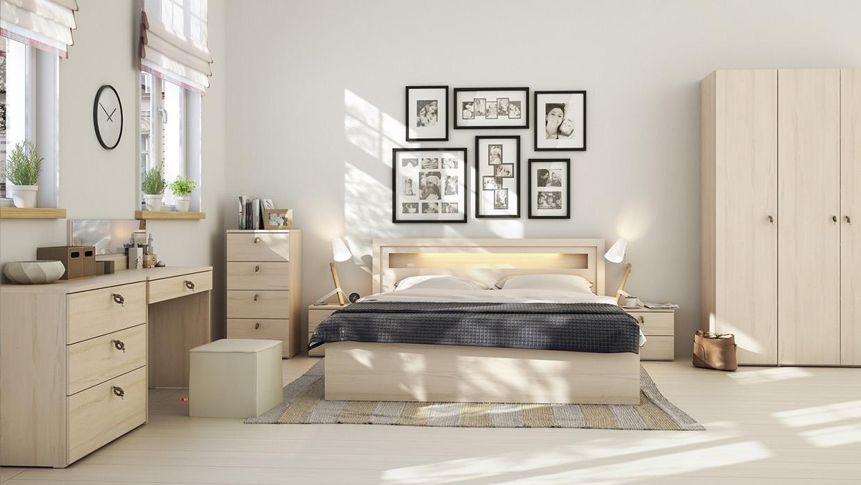 9. Thiết kế phòng ngủ đẹp với tông màu vàng nhạt có vân gỗ, căn phòng tận hưởng ánh sáng tự nhiên
