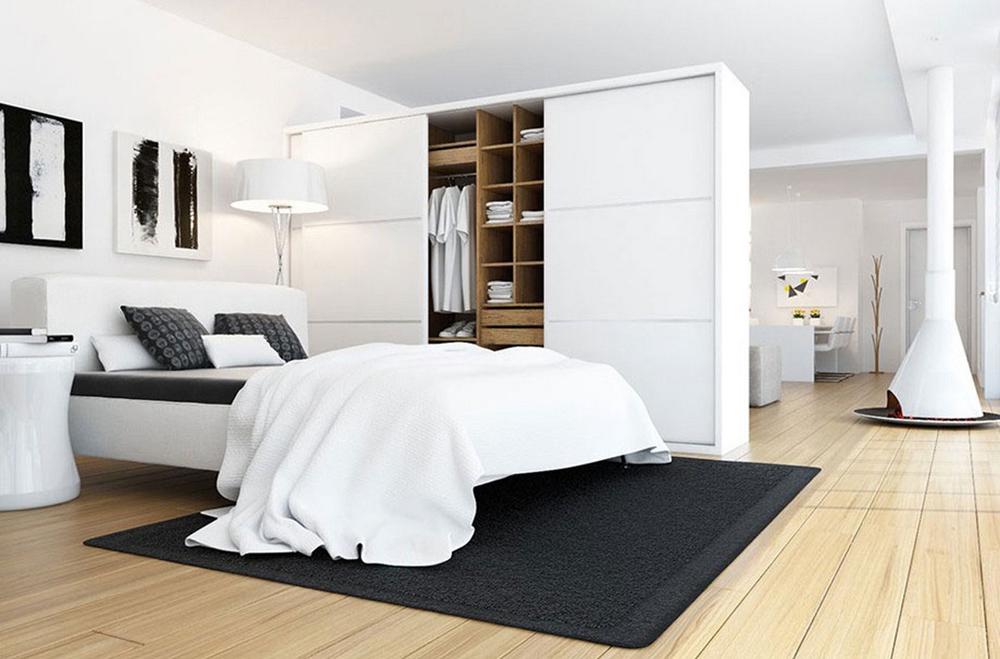 Phòng ngủ được phân chia không gian bởi tủ quần áo đẹp