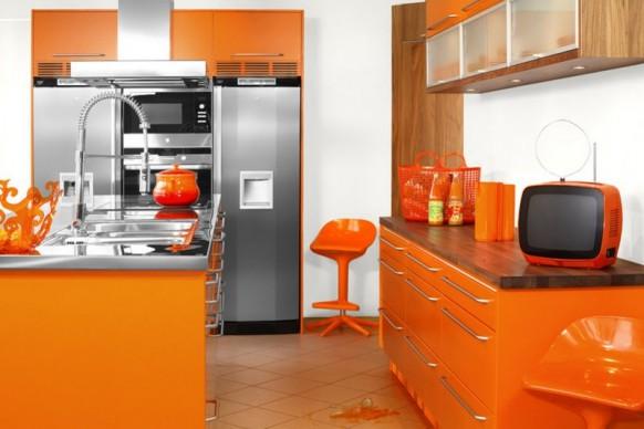 6. Màu chủ đạo màu cam và được đồng bộ cho cả những đồ dùng bếp