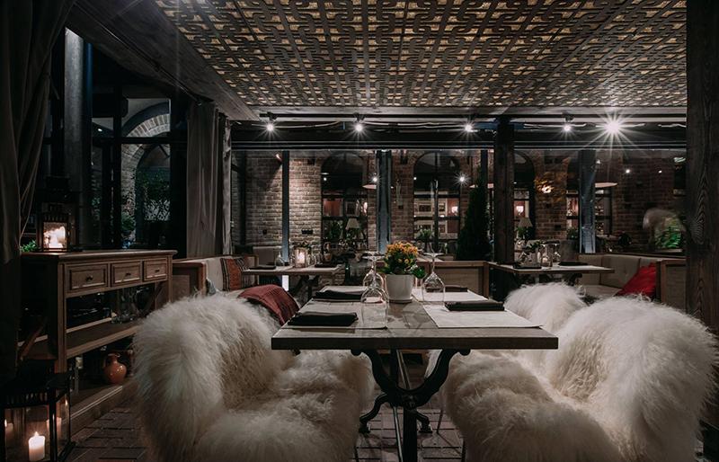 Hình 04: Thiết kế nội thất nhà hàng sang trọng hợp phong thủy