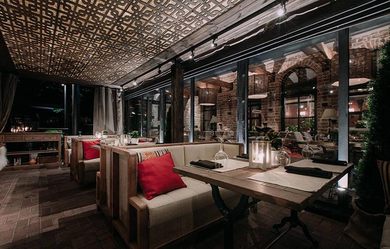 Hình 11: Thiết kế nội thất nhà hàng sang trọng hợp phong thủy