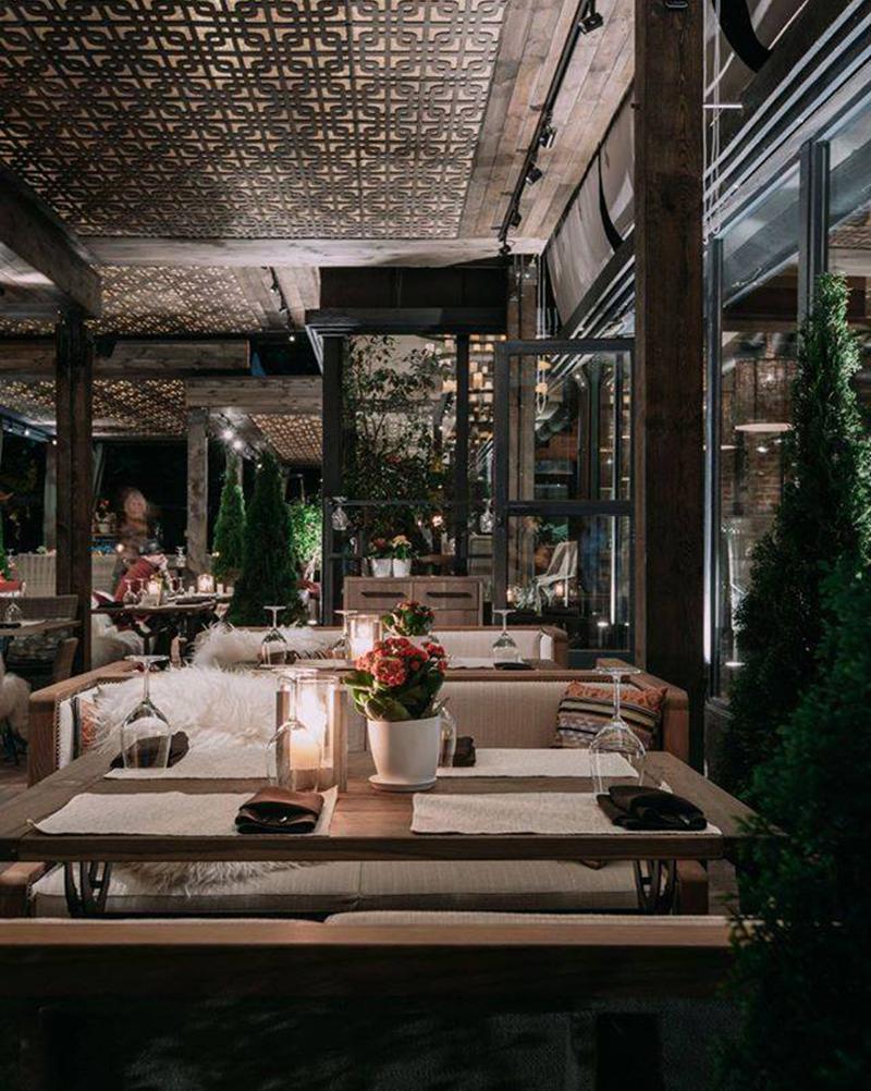 Hình 14: Thiết kế nội thất nhà hàng sang trọng hợp phong thủy