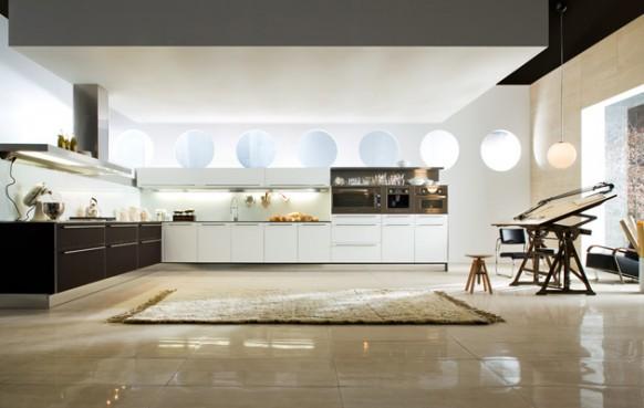 2. Nội thất tủ bếp rất hiện đại, và rộng rãi giúp các đầu bếp thoải mãi tung hoành