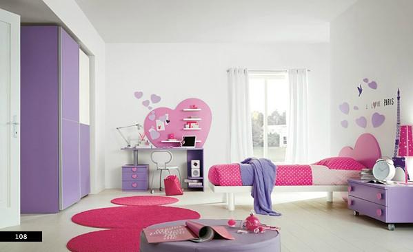 14. Các bé gái chắc chắn sẽ thích không gian phòng ngủ với màu tím và hồng đậm này