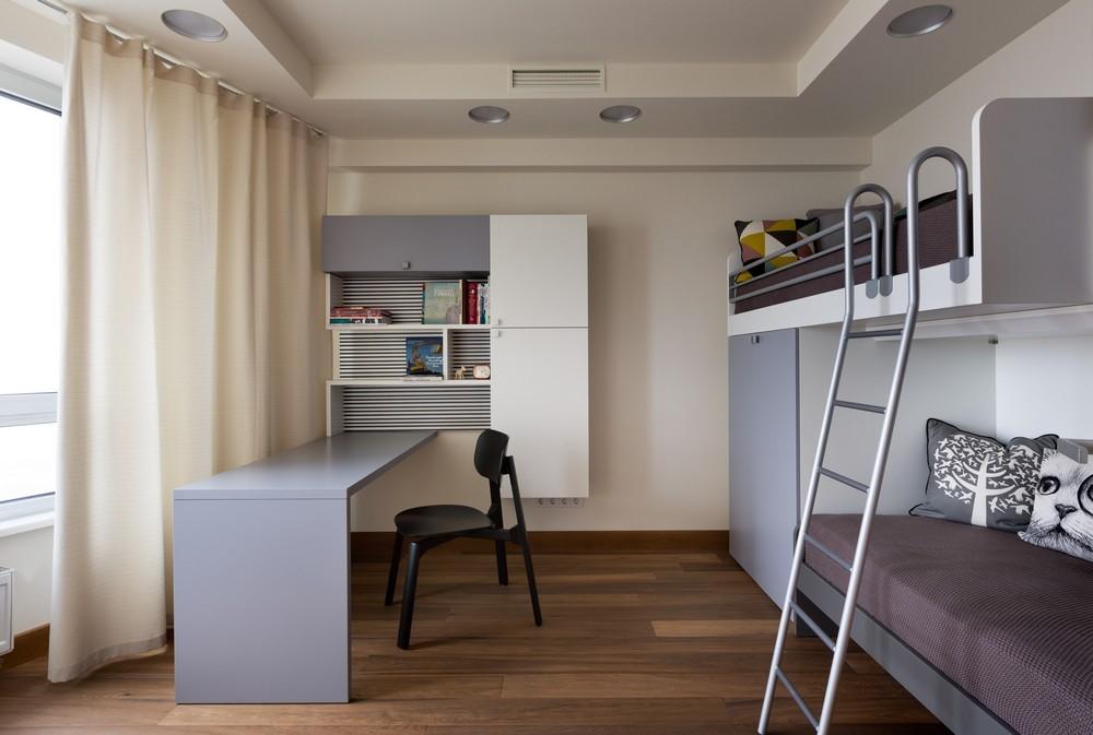 Bố trí giường trên gác để tận dụng không gian cho ghế sofa