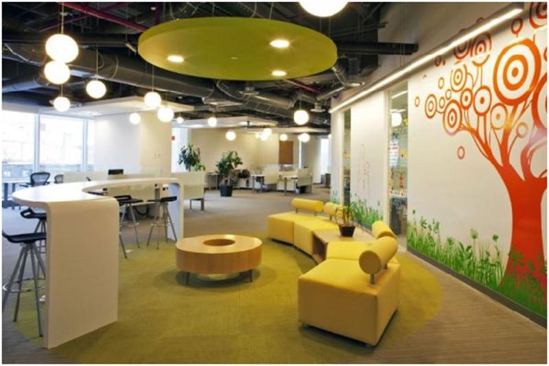 Thiết kế văn phòng đẹp với màu sắc rực rỡ