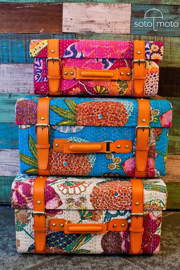 Những chiếc vali là một trong những phụ kiện trang trí ấn tượng