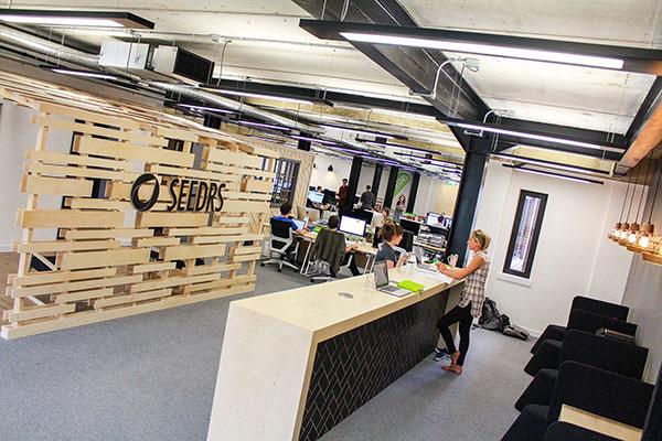 Thiết kế nội thất văn phòng mang phong cách hiện đại