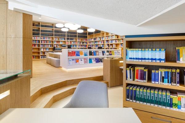 Phòng sách được thiết kế độc đáo