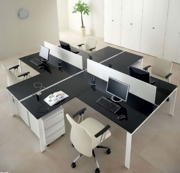 Tone màu đen trắng giúp văn phòng thêm nổi bật hơn