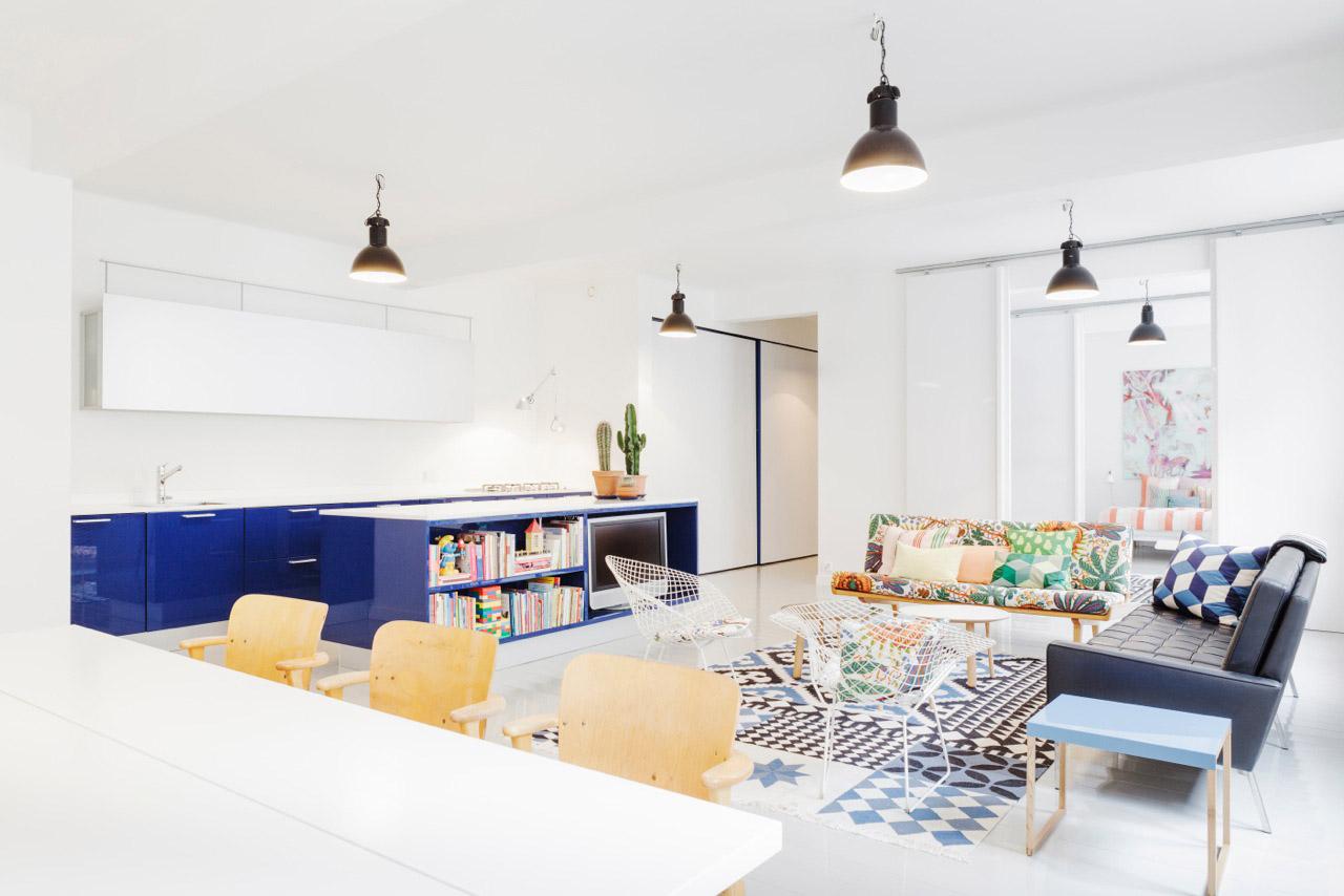 Thiết kế nội thất chung cư 50m2 thật dễ dàng với bàn ghế, kệ nhỏ sách nhắn vừa vặn