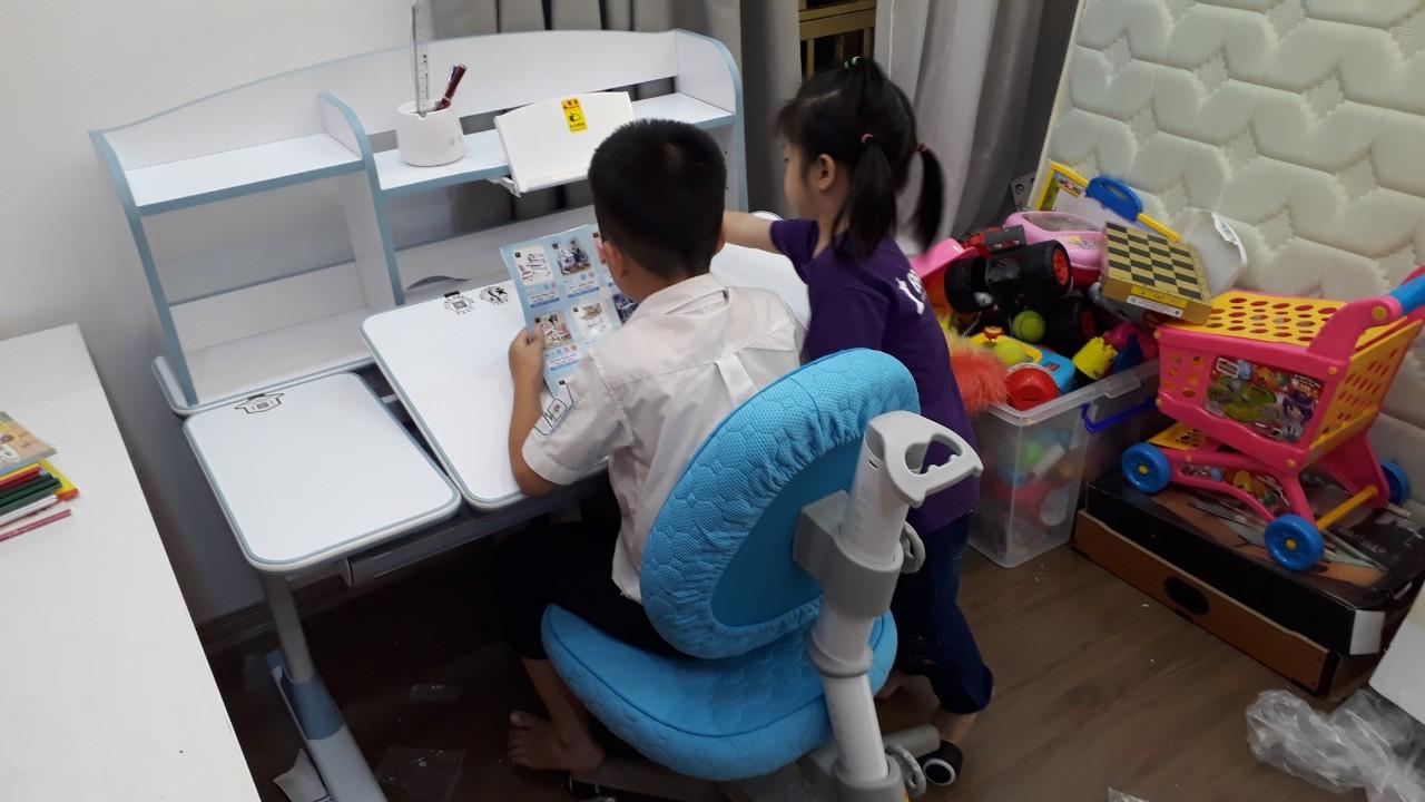 Bộ bàn học thông minh cao cấp DRZ-71000 đã được hoàn thành tại nhà bé